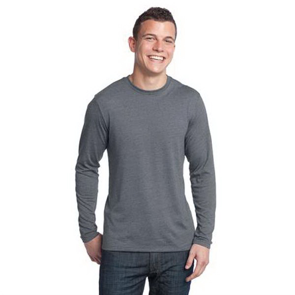Custom District (R) young men's textured long sleeve tee