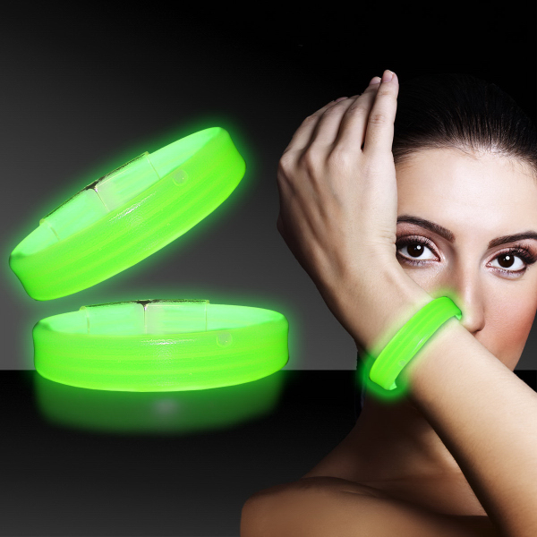 "Imprinted Green 8"" Deluxe Triple Wide Light Up Glow Bracelet"