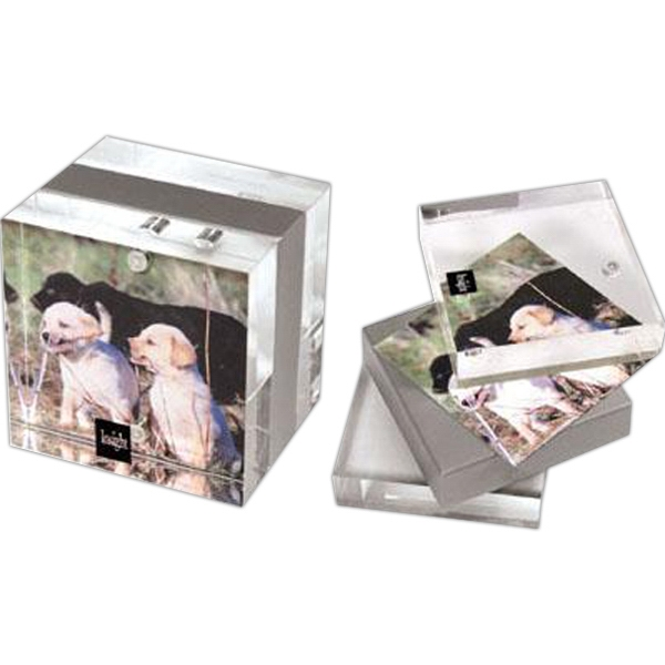 "2 3/4"" x 2 3/4"" Magnetic acrylic photo frame"