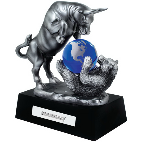BULL AND BEAR W/ CRYSTAL GLOBE (CLEAR)