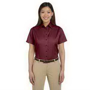 Ladies' short-sleeve twill shirt with stain release