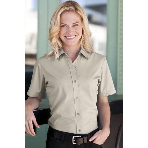 Women's Blended Poplin Short Sleeve Shirt