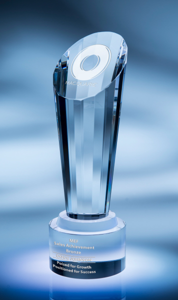 Focus Optic Crystal Award - Medium