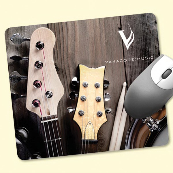 "Personalized ReTreads (R) 7""x8""x3/32"" Recycled Tire Mouse Pad"