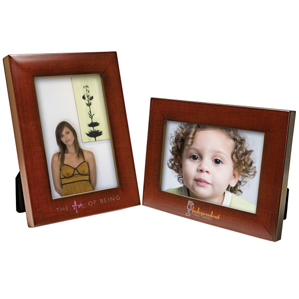 "Promotional 4"" x 6"" faux mahogany frame"